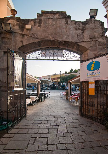 Casa Frau e Piazza del Popolo - Pula, Sardinia, Italy