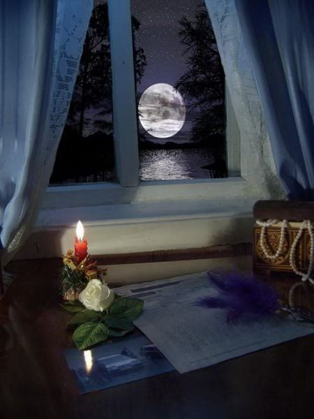 Moon Light. - Selected by www.oiamansion.com in Santorini.