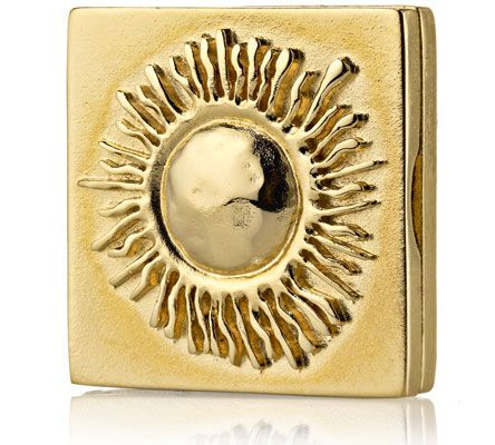 Estee Lauder Holiday 2012 Compact Collection Celestial Collection of Limited Edition Solid Perfume and Powder Compacts for the Holiday 2012 Season.