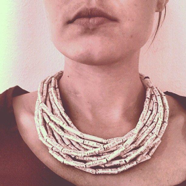 Halsband. Av: Anna Rongedal -jewellery art and design. http://www.facebook.com/AnnaRongedalJewelleryArtAndDesign