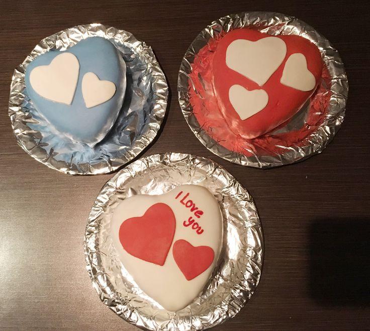 Valentine fondant cakes ❤