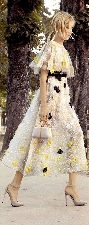 Garden Party / karen cox. Giambattista Valli V                                                                                                                                                                                 More