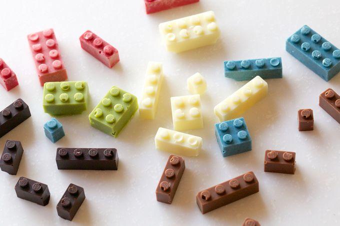 チョコのレゴブロック。 Chocolate LEGOs by Akihiro Mizuuchi
