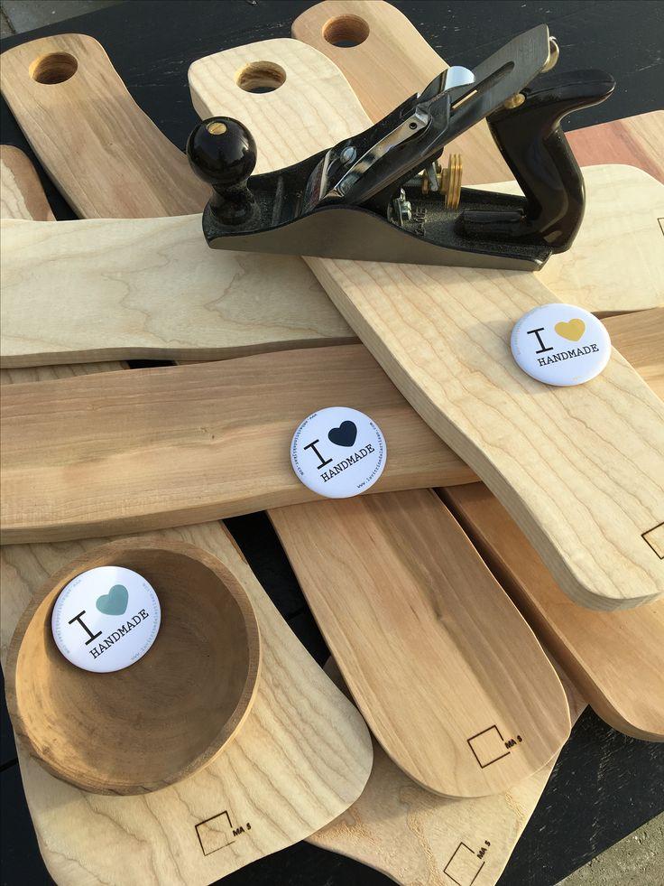 We love handmade! Atelier MA S #Ambacht2017 #Ilovehandmade Creatie van houtobjecten.  Een leuk, aaibaar design voor iedereen. Deze objecten worden gemaakt op een ambachtelijke, ecologische verantwoorde manier met respect voor het product. Dit met massief hout dat afkomstig is uit verantwoord beheerde bossen. Elke object wordt met de grootste zorg bewerkt.