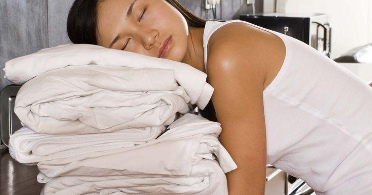 Cómo blanquear las sábanas blancas