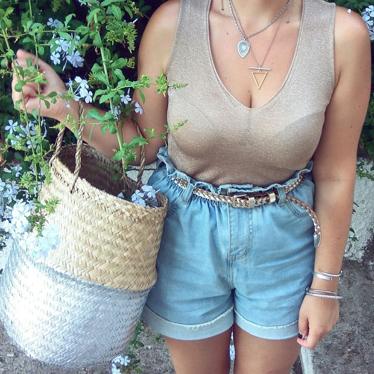 Spore di sale in Fiscardo 🌸💦 We had a great time on the Kefalonia island with our Olivia Seagrass Beach Bag and Twininas accessories!