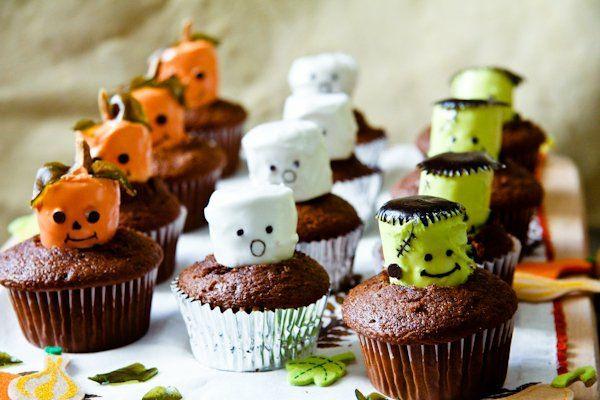 Grusel Muffins halloween gebäck halloween backen Halloween Party Rezepte cupcakes rezept