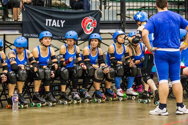 Le ragazze del Team Italy durante il Roller Derby World Cup 2014 a Dallas. #TeamItaly #SUN68LovesRollerDerby #ItalianJam #SUN68