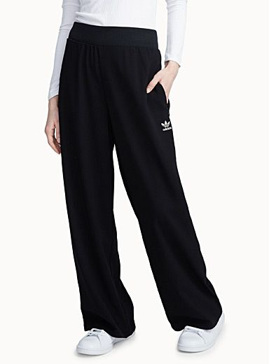 Adidas at Twik   Comfort starts here with this ultra light and fluid piece that lends an instant shot of style   Crepe weave with beautiful swing movement   Elastic waistband    The model is wearing size small