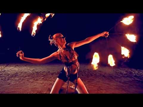 ▶ Fire dancing duet. Poi and fire fans - YouTube