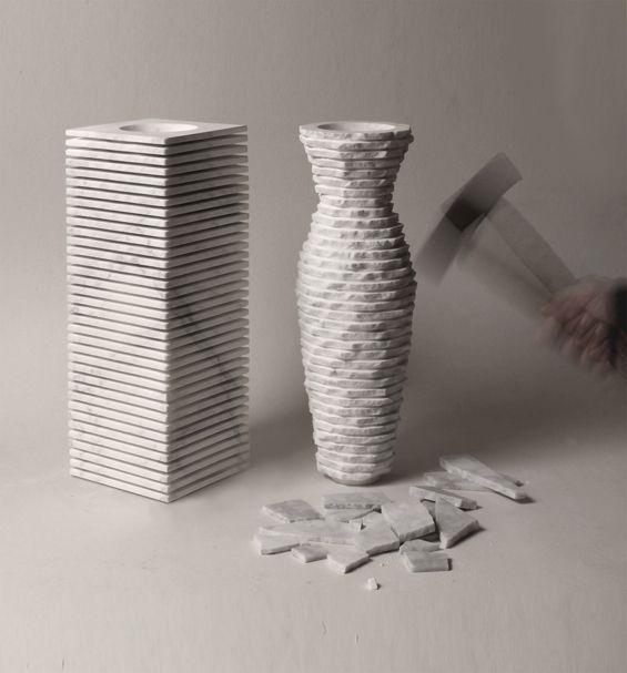 Vase introverso 2 ,de Paolo Ulian et Moreno Ratti. Matière: Marbre.