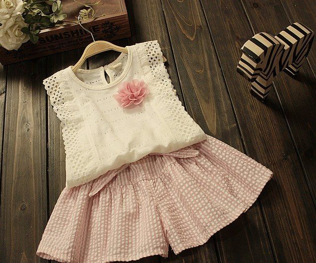 Beautiful summer set with exquisite embroidery - Bonbon