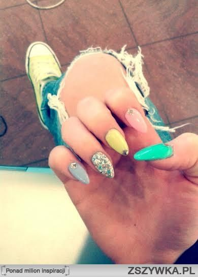moje, nowe paznokcie:) co sądzicie?