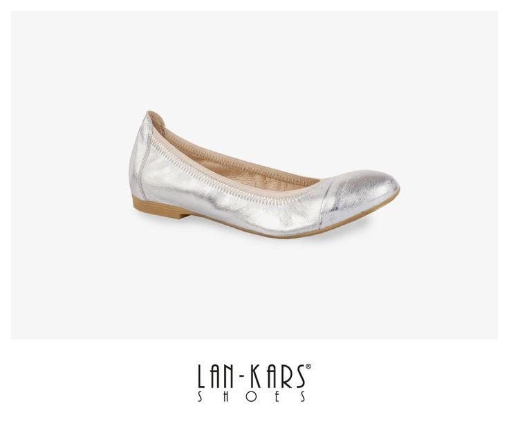 Elastyczne, srebrne baleriny.  #shoes #silver #metalic #leather #style #fashion #flats #lankars