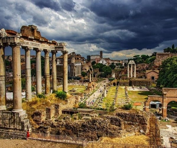 In the heart of the Eternal City of Rome one can find the ruins of once the most important and glorious state – the Roman Empire.