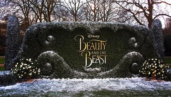 Disney'in eski ve klasikleşen animasyonu olan Beauty and The Beast (Güzel ve Çirkin), film haline getirildi. Biz desizler için listeledik. Güzel ve Çirkin'in galası Londra'da gerçekleşti. Bütün oyuncuların bulunduğu galada, filmden bir sahne dekoru inşa edildiği...  #Beast, #Beauty, #Emma, #Filmi, #Harry, #İle, #Potter, #Ünlenen, #Watson'In, #Yeni https://havari.co/harry-potter-filmi-ile-unlenen-emma-watsonin-yeni-filmi-beauty-and-the-