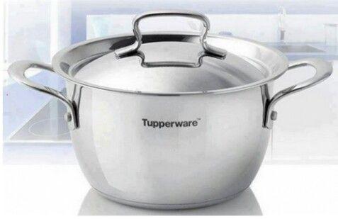 Tupperware pots