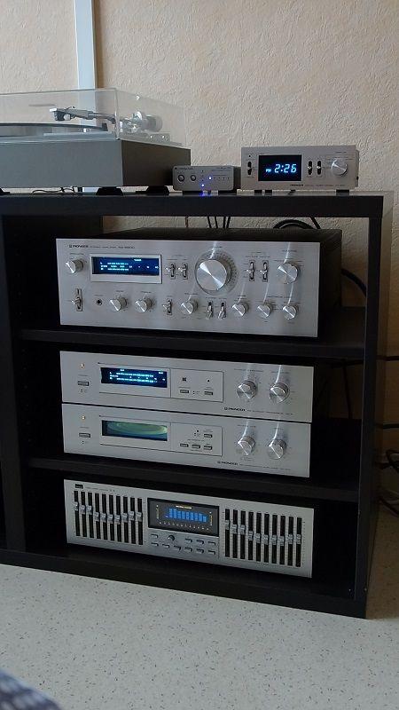 Cambridge Audio DacMagic 100, Pioneer DT400, Pioneer SA8800, Pioneer RG-2, Pioneer SR-303 et Sansui SE-8 / Blue 1.jpg