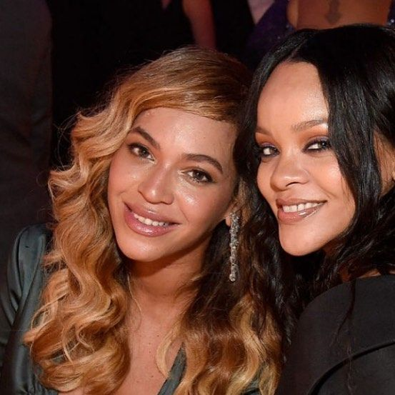 @rihanna hosted her third annual Diamond Ball and she has some of the biggest names in the music industry as her guests of honor.  Among the celebrities who attended the star-studded New York event were @Beyonce and JayZ. They were also joined by friends @kendricklamar and @DaveChappelle.  Breaking entertainment news @ www.beatscore.com   While people were marveling at the photos of the celebrities who joined the charity ball fans of RiRi were especially ecstatic with one picture: a snap of…