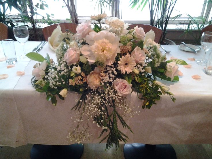 Pastel Shade Ceremony Top Table Fl Arrangement With Matching Silk Petals