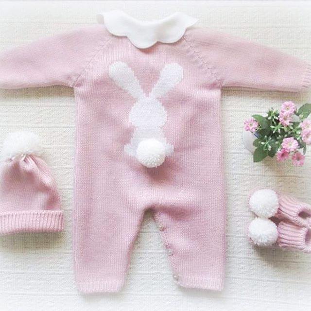 #nothingisordinary #babyclothing #babyclothes  #babyknitwear #babyoveralls #overalls #booties #babygirl #coveralls #yarn #instaknit #stripes #bebé #roupadebebé #instababy #babyspam #handmade #bunny #babyboutique #flowers #babyfashion #babybooties #mariacarapim #pink #flowers