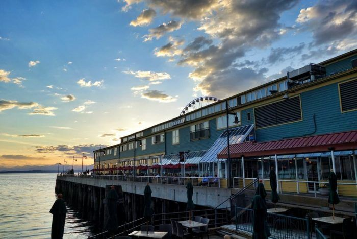 4. When it comes to popular Seattle seafood spots, tourists and locals alike flock to Elliott's Oyster House.