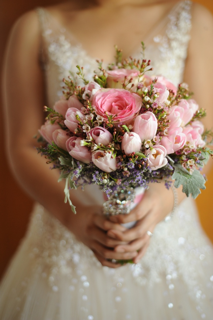light pink tulip bouquet