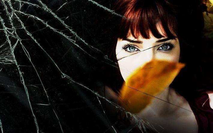 girl, желтый лист, рыжая, redhead, разбитое зеркало, broken mirror, девушка, взгляд, view, yellow leaf