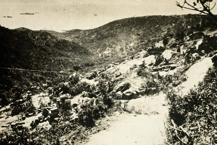 1915: Shrapnel Gully, the main route from the beach to the frontline