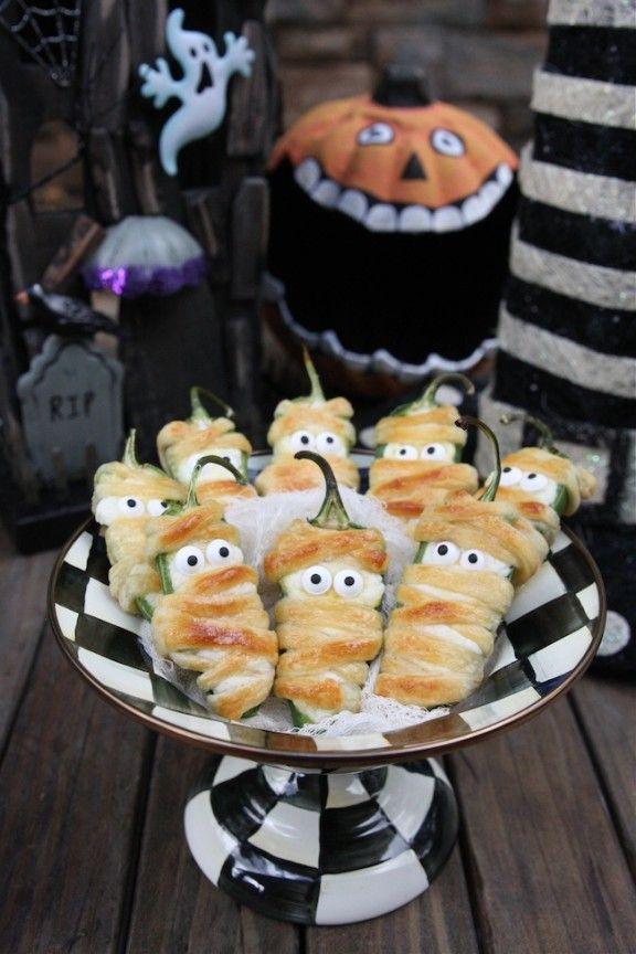 jalapeño popper mummies, halloween appetizers, halloween snacks, halloween, crescent dough mummies, spooky appetizers halloween, creepy halloween food