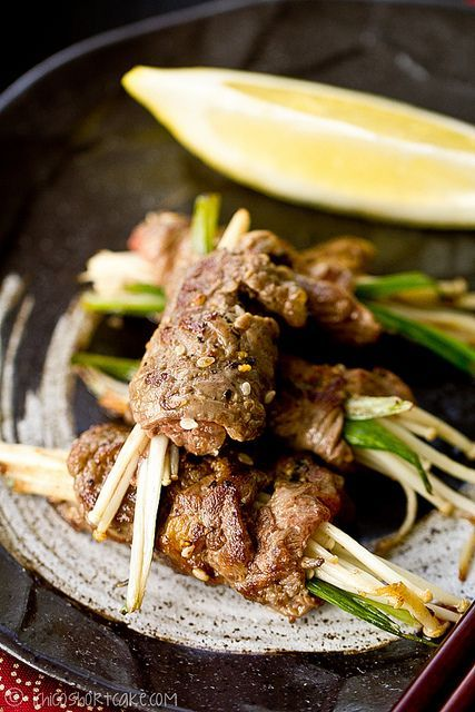 You can use pre-sliced hot pot beef (available in Asian supermarkets) which will save a lot of time or use higher grade beef fillets cut into thin slices to wrap the enoki mushrooms. Description from ichigoshortcake.com. I searched for this on bing.com/images