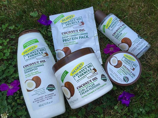 THESE products right here are amazing! Especially if you deal with dry hair , you might find what your looking for in these @palmers Coconut Oil Formula Products.