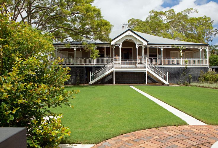 44 best images about queenslanders on pinterest white for Queenslander exterior colour schemes