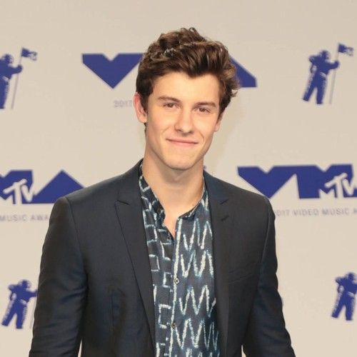 Shawn Mendes dominates MTV EMAs ceremony https://tmbw.news/shawn-mendes-dominates-mtv-emas-ceremony  Shawn Mendes was the big winner at the 2017 MTV Europe Music Awards (EMAs) in London on Sunday (12Nov17), taking home three major prizes.The Canadian musician followed up his success at last year's (16) ceremony, when he dethroned Justin Bieber as Best Male, with wins in the Best Song, Biggest Fans, and Best Artist categories.The 19-year-old also thrilled those in attendance at The SSE Arena…