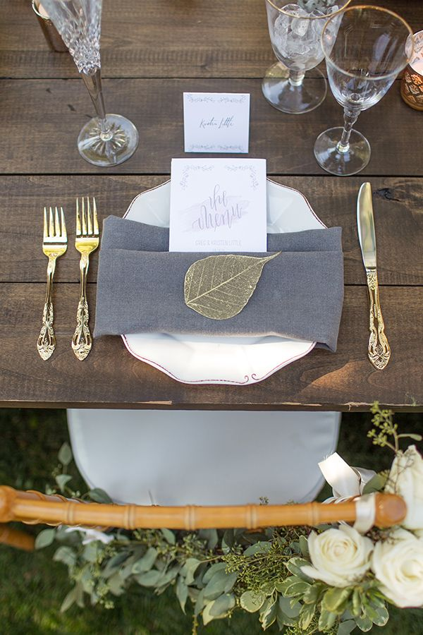 gold and grey place settings #placesettings #wedding #tabledecor @weddingchicks