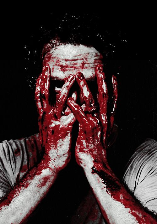 Andrew Lincoln, Rick Grimes, The Walking Dead. This image should not be sexy, but lets face it, it is.