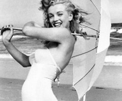 marilyn monroe ~ I could make a whole board just for Marilyn. She was so complicated...and real. Her smile still lights up rooms decades later.