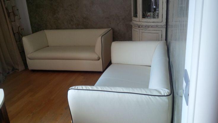 Beauty and design soggiorno con divani in pelle exco' , mobile ad ...