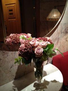 #roses #pink #lamplight