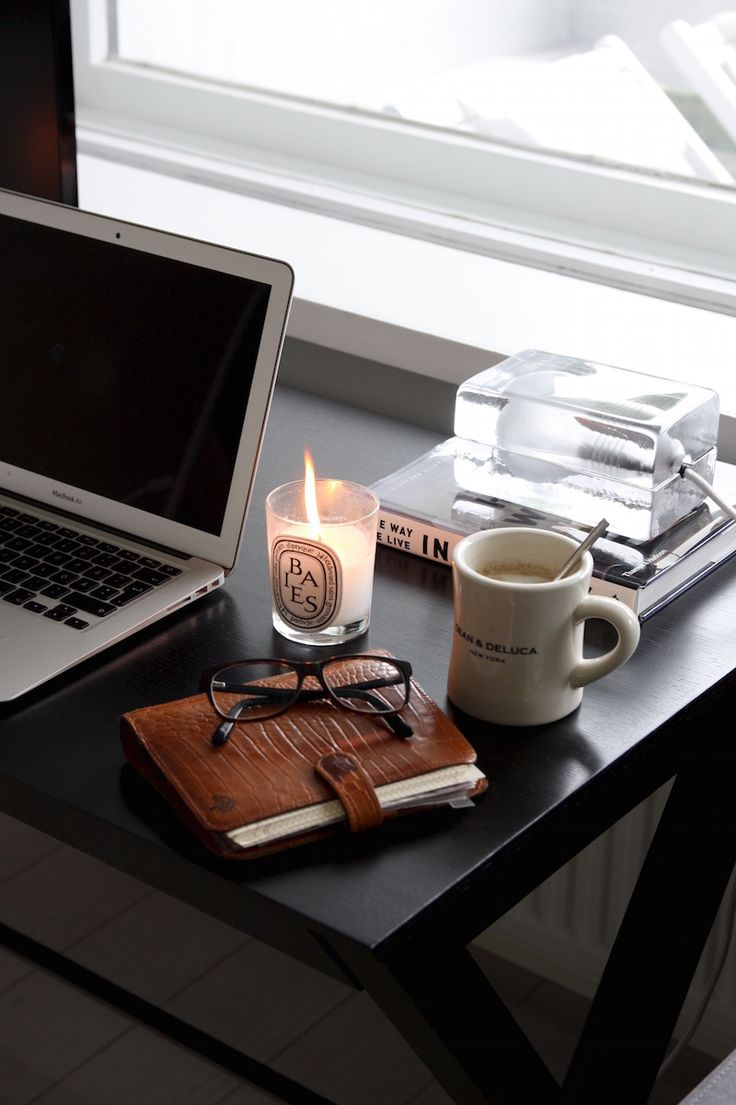 Homevialaura | home office | Mulberry vintage planner in tan leather | second hand find | Harri Koskinen Block lamp | diptyque |  Dean & DeLuca coffee