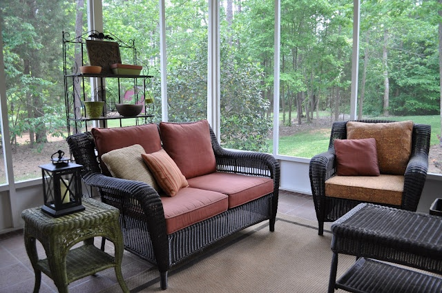29 best images about sunroom on pinterest small sunroom for Screen porch furniture ideas