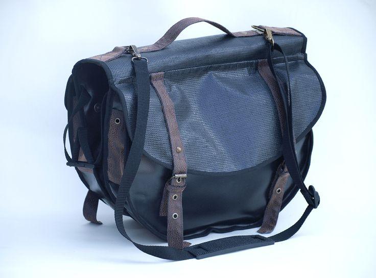 Multifunctional woman bicycle twin-bag: pannier bag + shoulder bag + crossbody bag