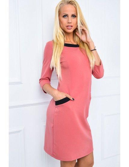 Sukienka z kontrastową obwódką