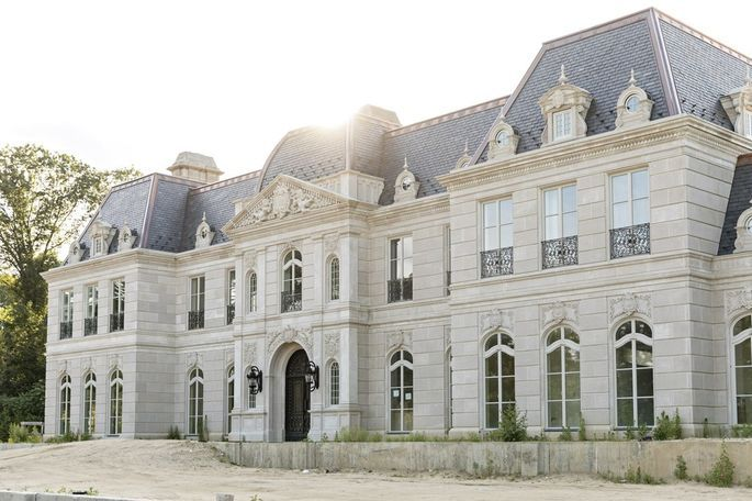 My Very Own Versailles Homeowners Who Re Create The French Palace French Chateau Homes French Mansion Mansions