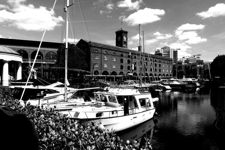 St. Katharine Docks (baía). Centro de Londres, Bairro de Tower Hamlet/foto: Detalhe Brasil