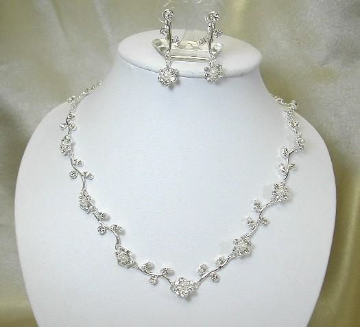 Wedding jewelry set crystal flower bridal jewellery set with pearls necklace and earrings diamante wedding jewelry bridesmaid jewellery gift
