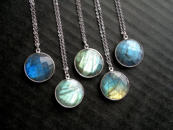 High quality labradorite in bezel setting on a rhodium plated chain. You can pick, which one youd like to purchase.  Measurements: Stone: 20mm