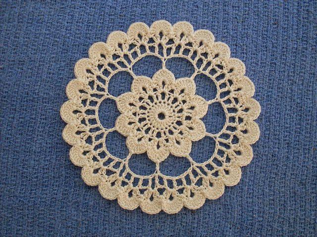 Crochet Flower Doily Pattern : 131 best images about Crochet Doily Patterns on Pinterest ...