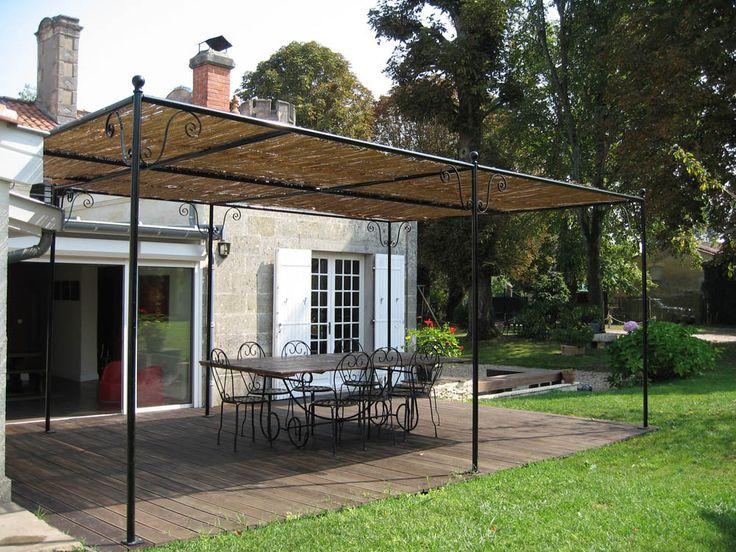 pergola en fer forg marquises de porte en fer forg et pergolas en fer forg brun. Black Bedroom Furniture Sets. Home Design Ideas