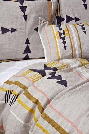 isleta geometric bedding (via design*sponge)